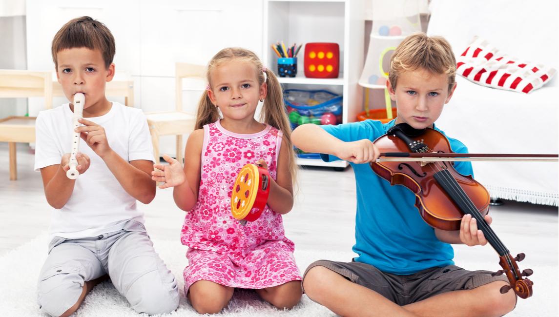lekcja-muzyki-dla-dzieci-w-szkole-slider